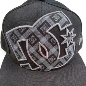 DC Shoes New Era Fitted Hat 7.5